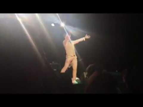 Arnel Pineda Live We Will Rock You Calgary Alberta Canada 11/26/17