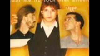 Clouseau - Laat me nu toch niet alleen (english lyrics)