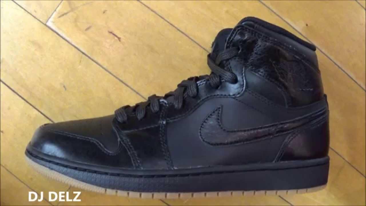 392abfd22f6 Air Jordan 1 Retro Hi OG Black Gum Bottom Gold Sneaker Review With  DJDelz   HotOrNot - YouTube