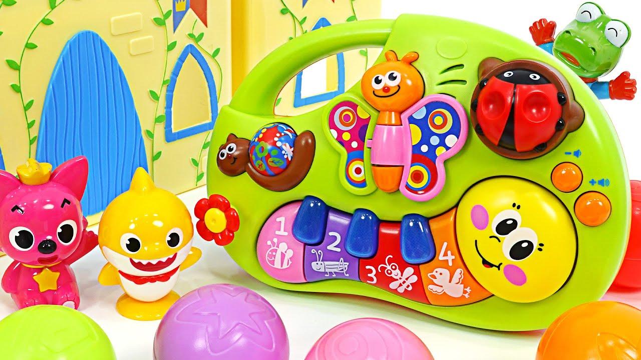 귀여운 아기상어와 핑크퐁과 함께 연주합시다! 신기한 애벌레 피아노~ | 핑키팝토이