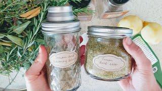 Here are the mason jar shaker lids I use: http://amzn.to/2uH9yYS (a...