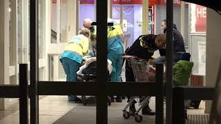 Broek op Langedijk kindje valt uit winkelwagentje