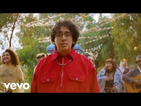 "Cuco hits Mexico City in new ""Hydrocodone"" video"