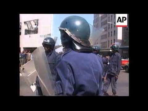 ZIMBABWE: STUDENTS STAGE ANTI MUGABE DEMONSTRATION
