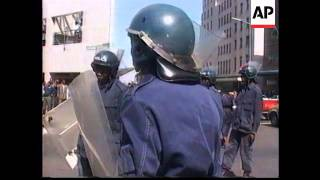 ZIMBABWE: STUDENTS STAGE ANTI MUGABE DEMONSTRATION