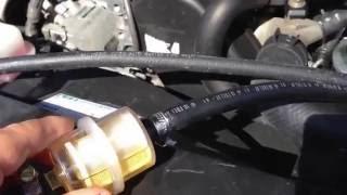 Дизель. Промываем форсунки сами.(Промывка топливной системы дизельного двигателя профессиональной жидкостью самостоятельно, без специаль..., 2013-09-05T13:30:24.000Z)