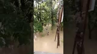 Video lucu orang madura sang ba 39 a di guyur hujan