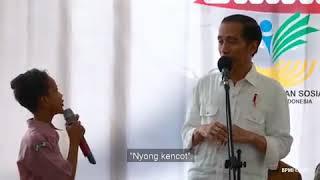 Video lucu..Jokowi canda tawa sama anak2, NYONG KENCOT haha