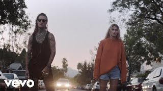 Borgeous & tyDi - Over the Edge (feat. Dia)