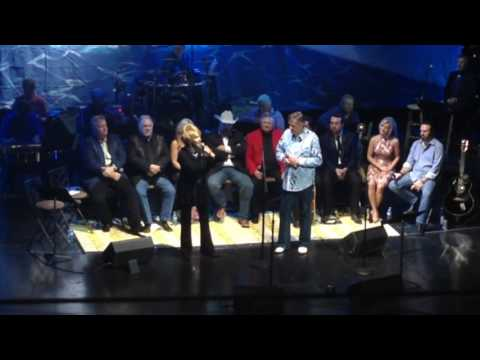 Jeannie Seely and Bill Anderson honor Jean Shepard with DearJohn