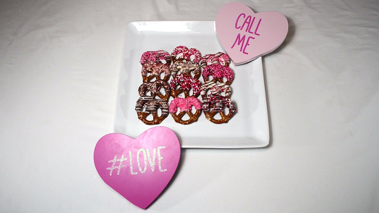 How To Make Chocolate Covered Pretzels For Valentine S Day Youtube