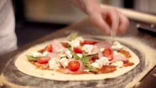 Gorm Makes A Delicious And Crispy Pizza In Morsø Forno