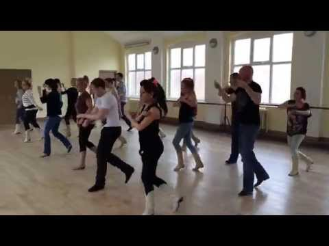 Backwards line dance by CountryVive & Rachael McEnaney
