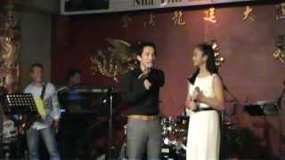vang trang tinh yeu Quoc Khanh, Hoang Kim