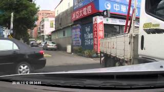 Woman Driver Fail - Taking a Rapid Turn Without Hesitation