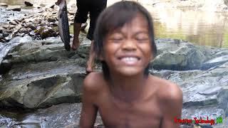 Primitive Technology - Eating delicious - Finding and cooking big fish