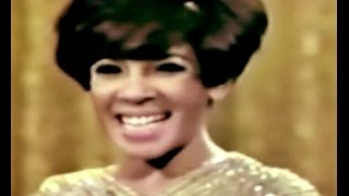 Shirley Bassey - GOLDFINGER  / Typically English (1967 TV Special)