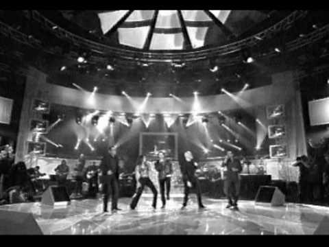 Celine Dion, Garou, JJ Goldman etc perform