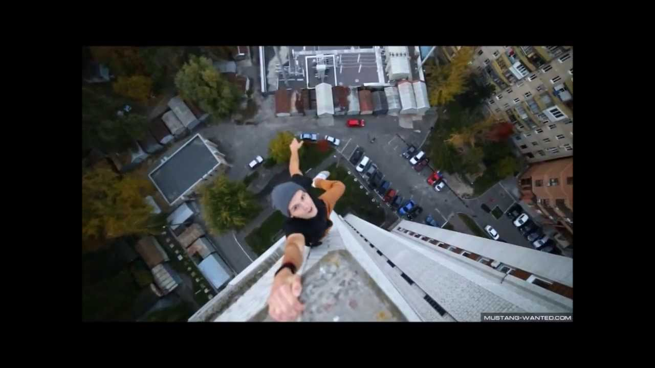 Смотреть как занимаются на крыше фото 305-116