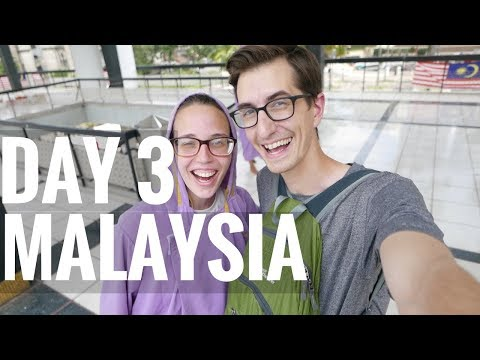 MALAYSIA // Day 3 // Museums, Mosques, & Markets in Kuala Lumpur