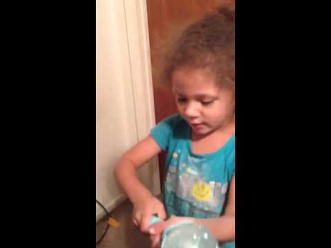 Disney's Frozen Elsa's Musical Snow Wand Video Toy Review B