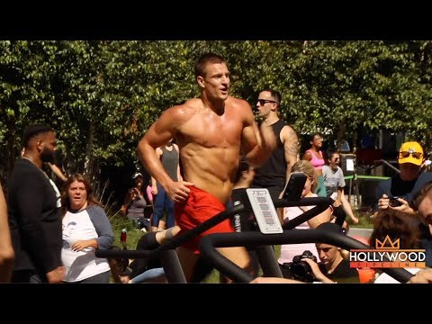 A RIPPED Rob Gronkowski Leads A Public Workout in Boston