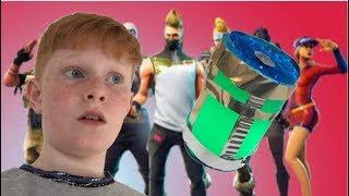 MAKING A FORTNITE CHUG JUG OUT OF CARDBOARD!!!!!