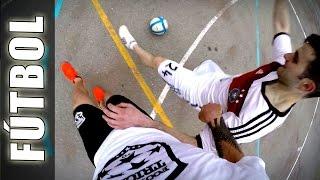 Play Football Like Guido - Football Tricks Online LifeStyle of Street Soccer(Play with Street Football Skills Like Guido from Football Tricks Online! Juega al Fútbol Como GuidoFTO, aplicando Trucos y Jugadas increíbles en la cancha!, 2015-05-26T16:09:29.000Z)