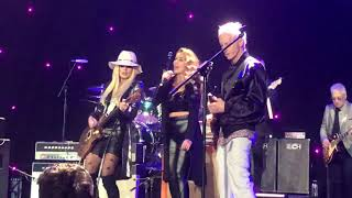 Stephen Stills, Billy Gibbons, Orianthi & Robby Krieger - Love The One You're With  (12/02/18 - LA)