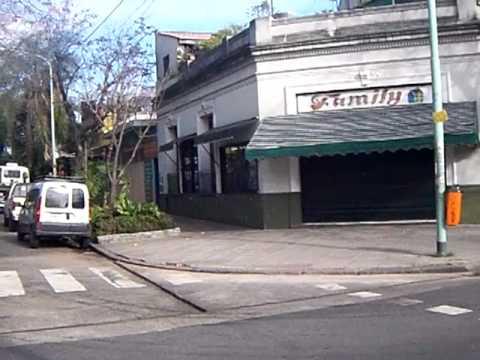 Barrio villa devoto buenos aires calles y casas youtube for Villas en buenos aires