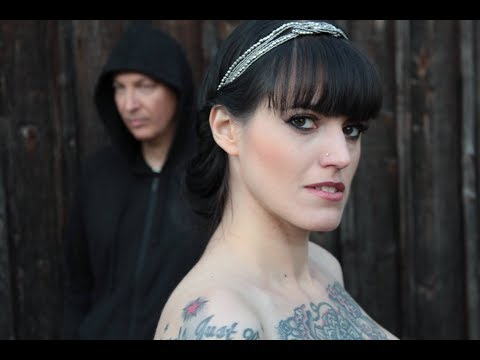 ►►JUNKSISTA feat. ESSENCE OF MIND // Monday // Official video // fresh ebm / synth pop / industrial