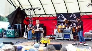 "Lucinda Williams ""Concrete and Barbed Wire"" 7/15/12"