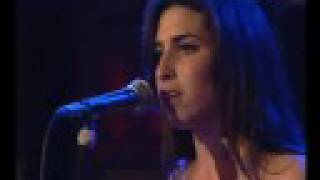 Amy Winehouse - (There Is) No Greater Love (Live)