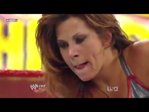 Download WWE RAW 17/08/2009│Divas Championship│Mickie James vs Gail Kim