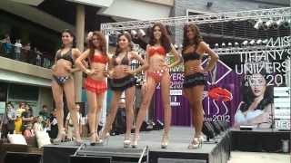 Конкурс красоты среди транссексуалов в Тайланде.