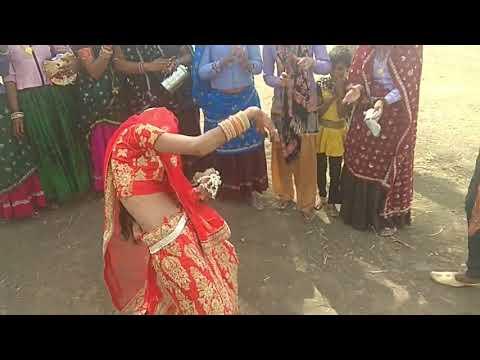 Ladies Meena Geet