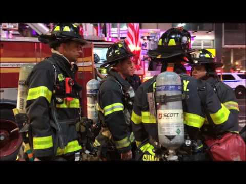FDNY BOX 742 - QUICKLY KNOCKED DOWN 10-76 COMMERCIAL HIGH RISE FIRE ON 8TH AVENUE IN MANHATTAN.