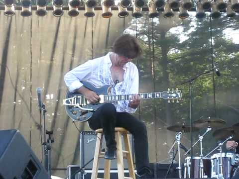 Johnny A live at Mountain Park in Holyoke Massachusetts. Free Concert.