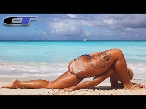 YOGA BEACH WORKOUT - Stretching On The Sand (Alex Kaufmann)