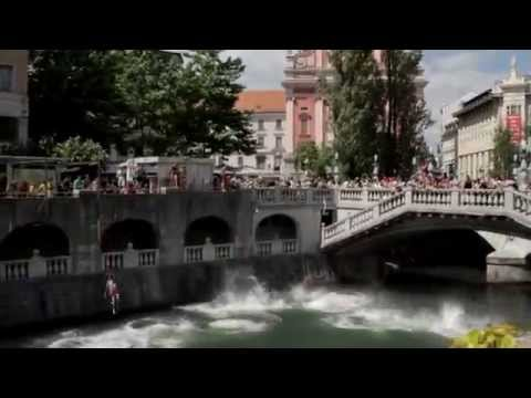 Awesome bridge diving in Ljubljanica river