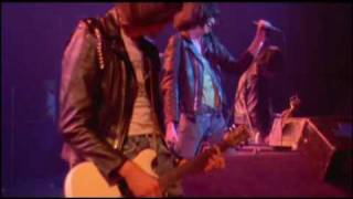The Ramones - It's Alive (1977) - I wanna be well