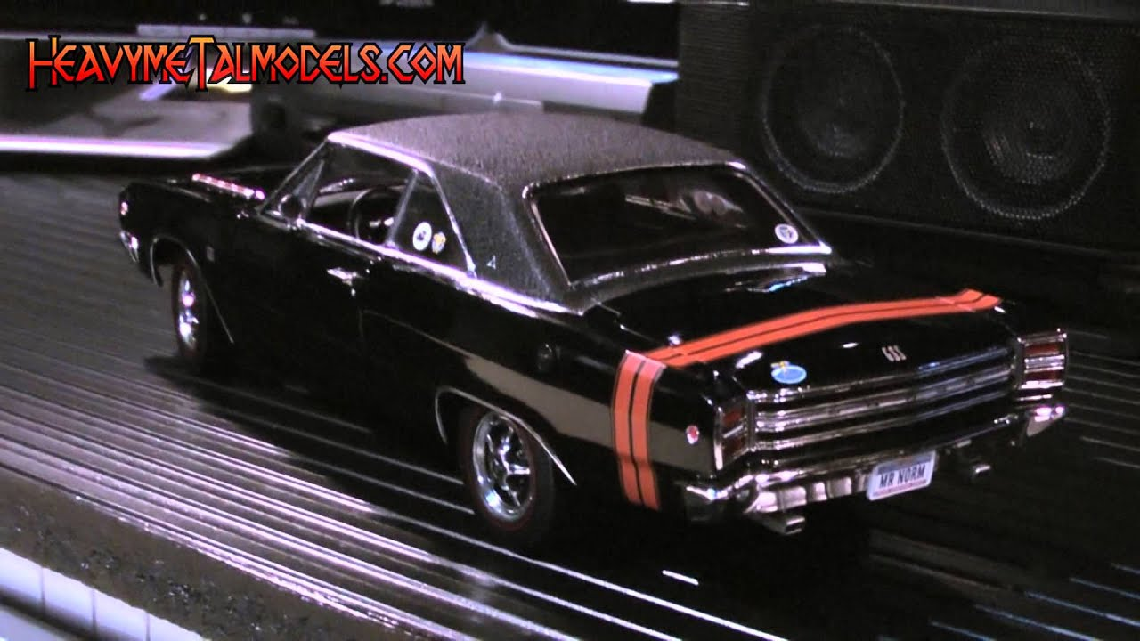 Highway 61 1:18 1968 Dodge Dart GSS | Heavy MeTal Models - YouTube