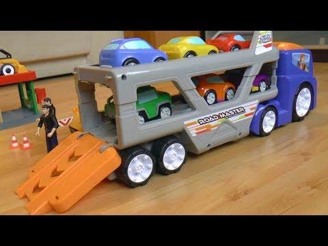 Автовоз мультик для детей Сеня играет в полицейского и в машинки игрушки