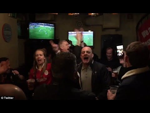 Liverpool fans sing Mo Salah chant in Portuguese Bar ''The Egyptian King''