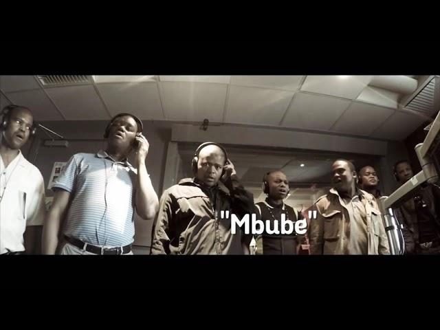 Ladysmith Black Mambazo - Mbube Wimoweh live