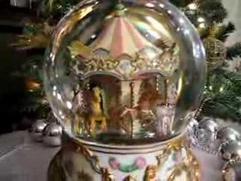 American Treasures Carousel Water Globe