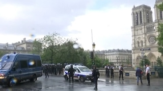 Raw: Paris Police Shoot Attacker Near Notre Dame