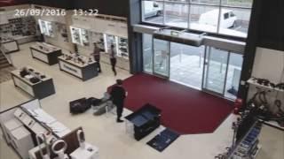 видео Что делать, если вы разбили бутылку в магазине?