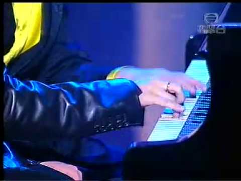 Jaychou (周杰倫) and Li Yundi Piano Duet Turkish March Live