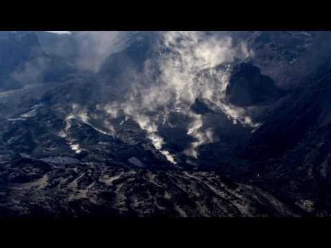 Etna Volcano Eruzione. Frana in Valle del Bove.